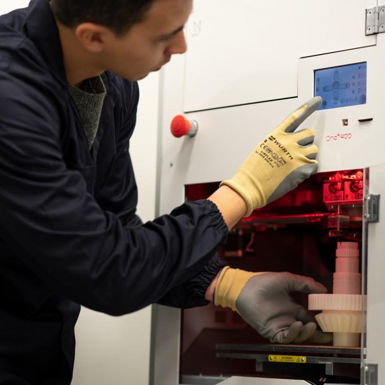 Imprimez vos premières pièces industrielles en polymère